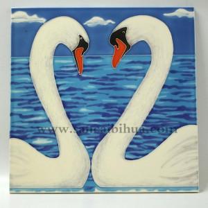 爱心天鹅家庭瓷板画